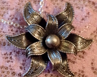 """Sterling Silver Flower Pendant on 18"""" Sterling Silver Chain (st - 1580)"""