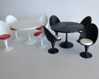 Egg Chairs (4) and Table set - 1/12 scale
