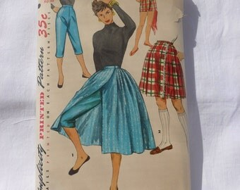 Simplicity 1231~~Vintage Wrap Around Skirt Pattern~~Vintage Tapered Pant Pattern~~Waist 24 Hip 33~~~Vintage Sewing Pattern~~Misses Pattern