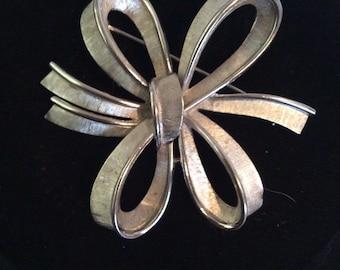 Trifari  ribbon brooch 2 in