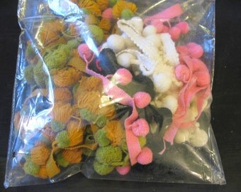 Pom Pom Trim, Destash Lot Remnants, Vintage Pieces Pompom Pom Poms