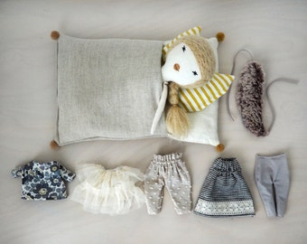 Doll play set / slepping bag and extra clothes / Lola
