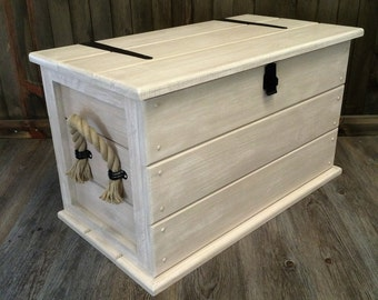 Boots bench etsy uk for Housse causeuse linen chest