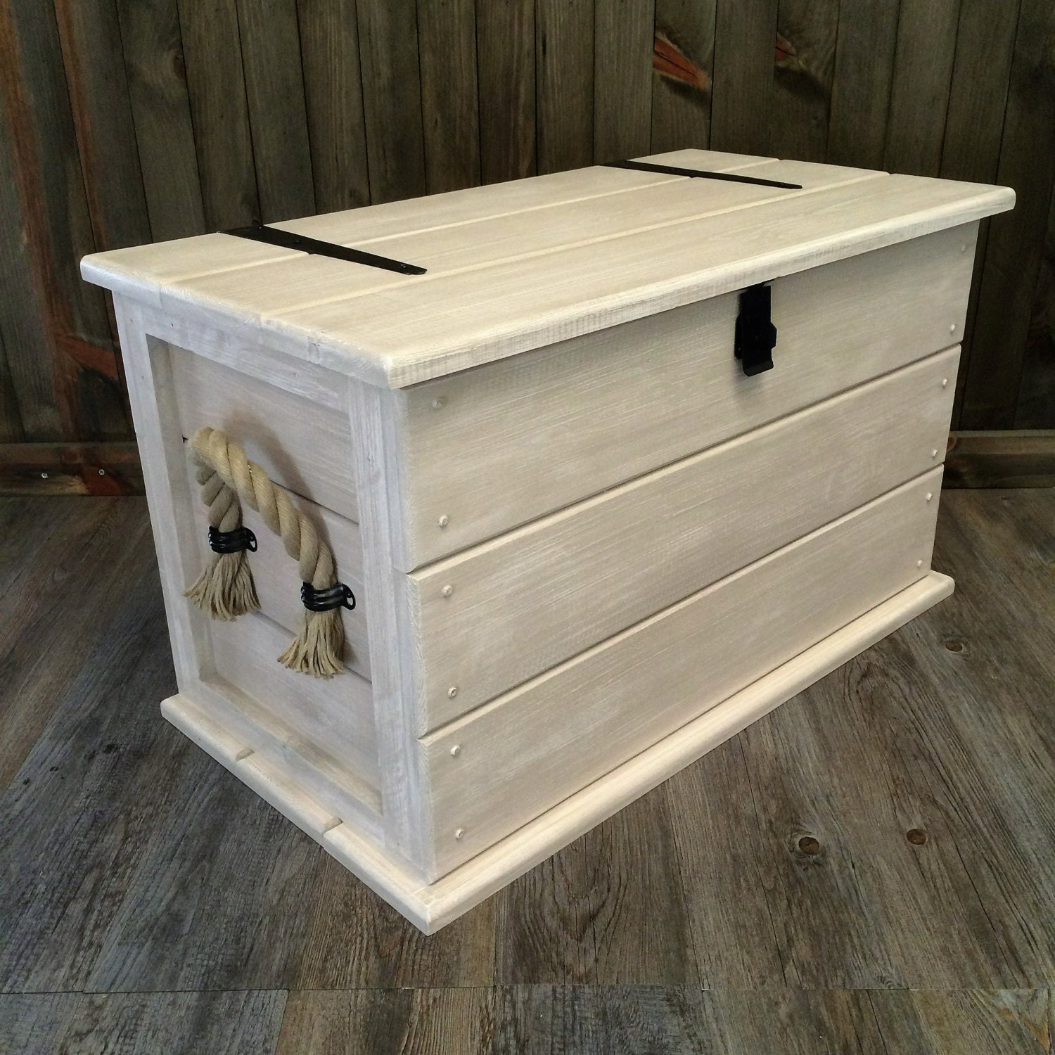 handmade solid pine shabby chic storage trunk coffee table. Black Bedroom Furniture Sets. Home Design Ideas