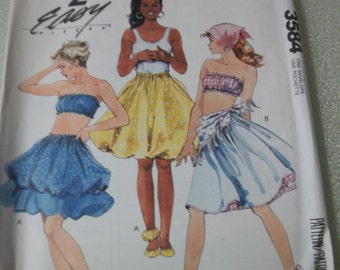 McCall 3584 Misses Reversible Skirt and Bandeau. 2 Easy Pieces