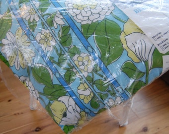 1960's new old stock Queen quilted bedspread flower motif - spring garden - Polyester