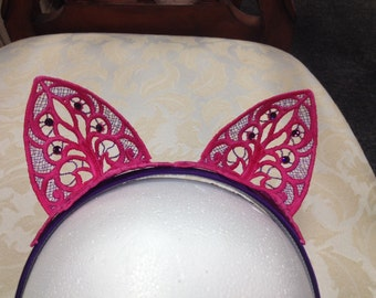 Cheshire Cat Ears