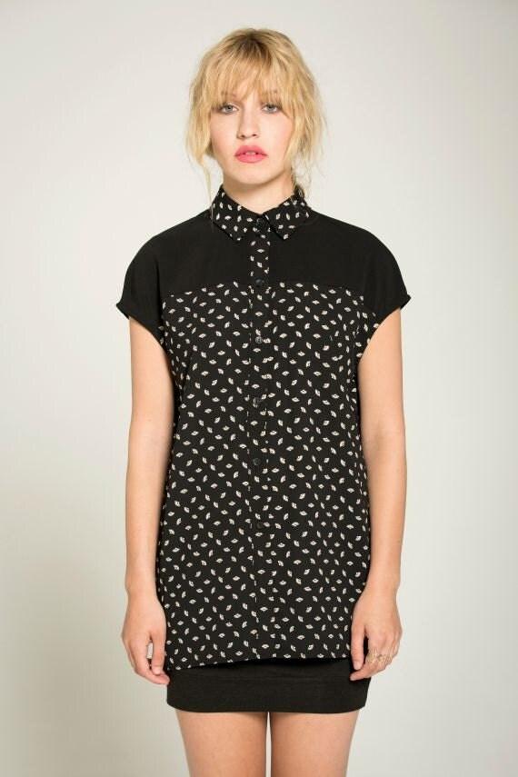 LES ÉTOILES - oversize shirt, blouse fow women - black with paper fans prints