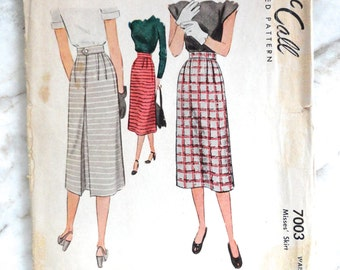1947 McCALLS 7003 Skirt S Back Pleat One Piece Topstitch Super Easy Back Zip Coolest Ever 40s Skirt
