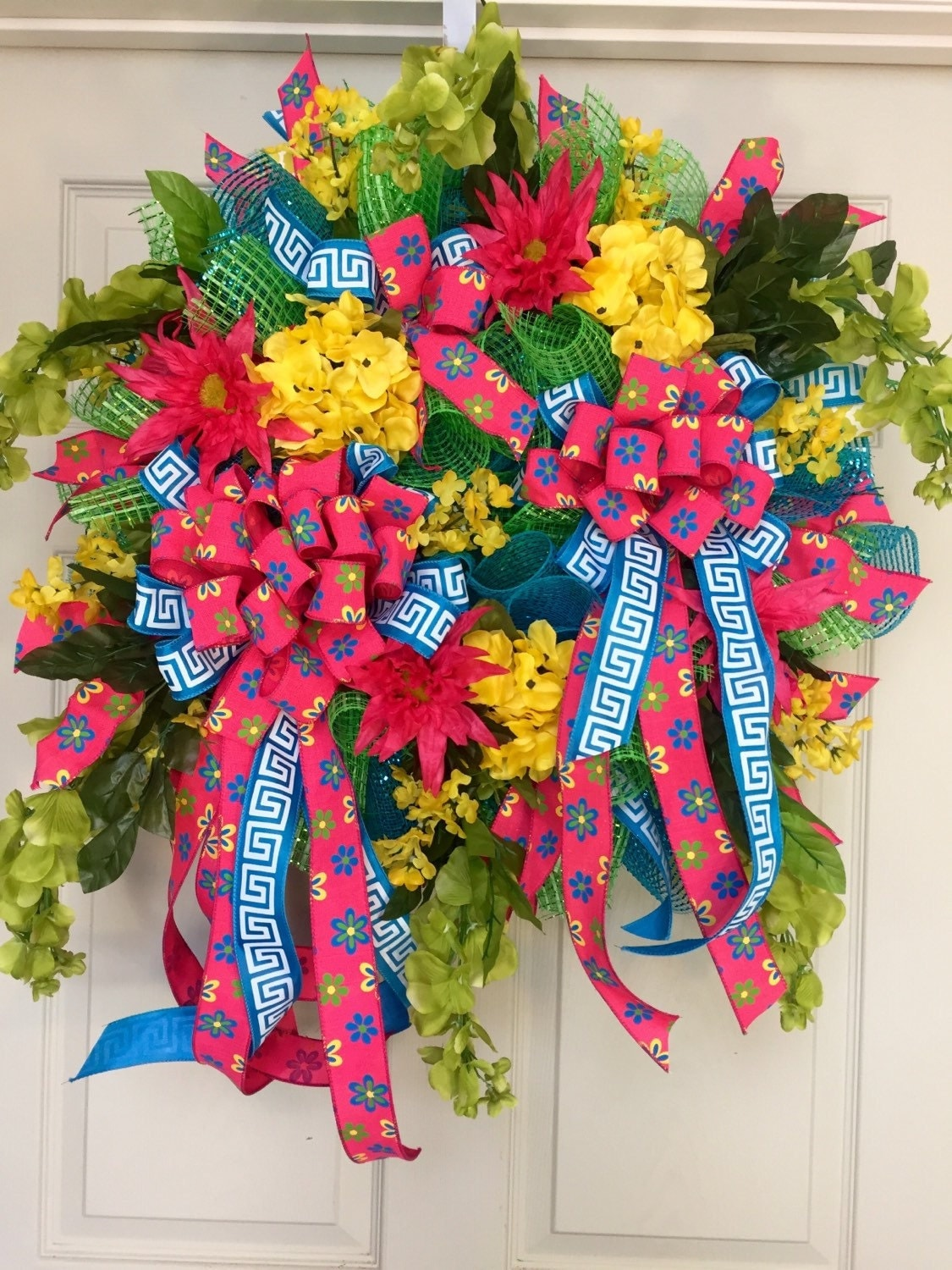 24 inch Whimical Bumble Bee Mesh Spring and Summer Wreath