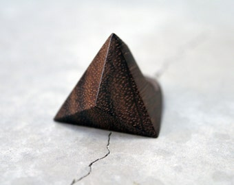 Geometric wood ring  /// Tetrahedron /// Rosewood /// Statement ring /// Contemporary jewelry /// Gift for her