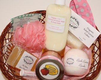 Bath and Body Gift Basket - Strawberry Lemonade