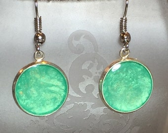 Sparkly Green Round Earrings