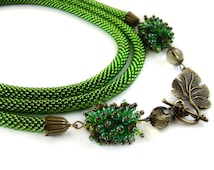 Green beaded crochet lariat necklace Long crochet bead rope necklace Bead crochet necklace Seed bead Lariat Double wrap necklace Women gift