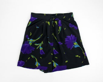 Vintage Shorts // High Waist Floral Pleat Shorts