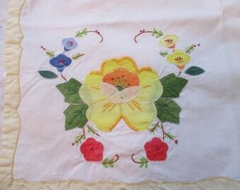 1940's Linens, Vintage Placemats and Napkins, Vintage Table Linens, Vintage Serviettes, Hand Stitched Plac