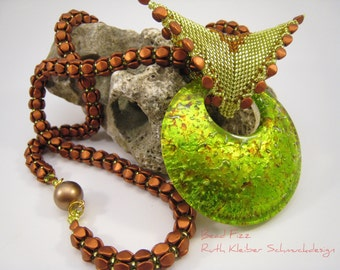 Beaded Necklace with Green Glass Pendant, Copper Colored Beadwoven Chain, Green Lampwork Pendant, Copper Glass Beads Jewelry, Peyote Bail