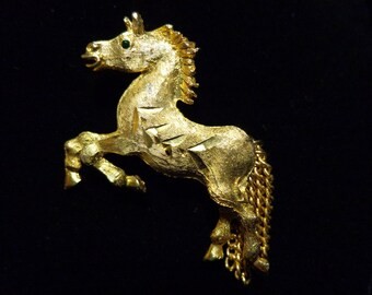 Horse Brooch / Pin Gold Tone Vintage Classic