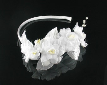 White headband with Flowers & Pearls