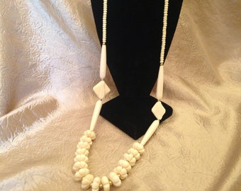 70s LONG Ivory beaded Necklace