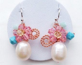 Pearl Earrings -  chic Pearl Earrings - Floral Pearl Earrings - Spring Wedding Jewelry - Drop Earrings