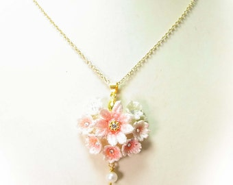Heart on Lace - Necklace