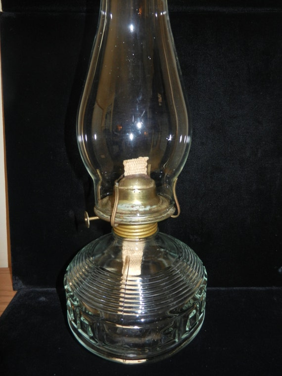 vintage glass oil lamp with chimney. Black Bedroom Furniture Sets. Home Design Ideas