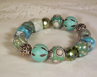 """Cynthia Lynn """"KIWI LIME on ICE"""" Chunky Silver Sage Mint Lime Green Glass Crystal Beaded Stretch Bracelet 7.5 inches"""
