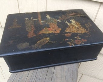 ANTIQUE LACQUER BOX Asian Decorated Jewelry Box