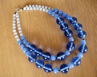 2-lagen collier met oceaan blauwe glas parels !