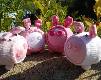 Sock Pig Family *3 pigs of different sizes with matching colours*