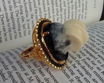 Golden Knuckle Ring