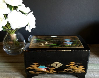 Lacquered Chinoiserie Jewelry Box / Jewelry Storage / Wooden Jewelry Box