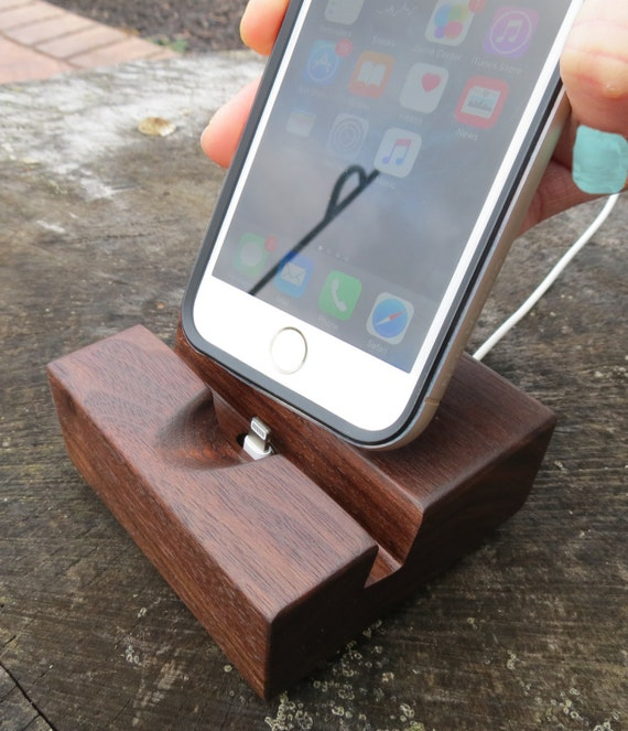 iPhone Docking Station for 6 to 7 Plus - Locks Charging Cable