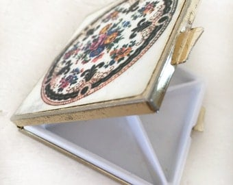Vintage Pill Holder|Vintage Pill Storage Box|Small Compact Storage|Mid Century Purse Compact|Small Floral Pill Box|Mid Century Pill Box