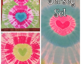 Queen size tie dyed soft jersey sheet set. Heart bullseye shades of pink teal and lime!