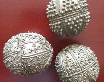 Large Old Yemeni Beads for Necklace,pendants