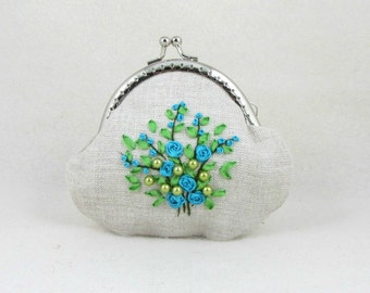 Floral coin purse,  embroidered kisslock purse, linen purse, hand embroidered pouch, womens floral pouch, silk ribbons