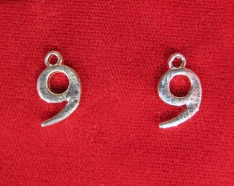 "10pc ""number 9"" charms in silver style (BC733)"