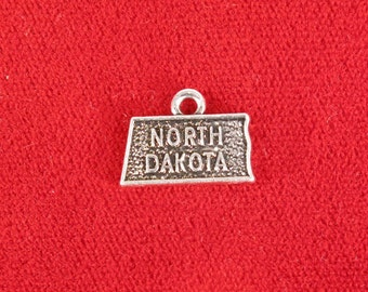 """10pc """"North Dakota"""" charms in antique silver style (BC1035)"""