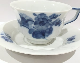 Royal Copenhagen Tea Cup and Saucer, Antique Tea Cups, Blue White China, Vintage Tea Party, Flow Blue Cups, Denmark Danish China