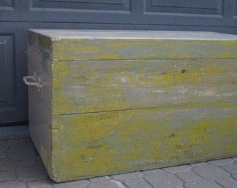 HOLD Suzib Primitive Painted Wooden Trunk Country Decor Storage Chest Distressed Wood Large Box Blanket Chest Farmhouse Coffee Table