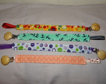 Dummy holder lanyard with clip