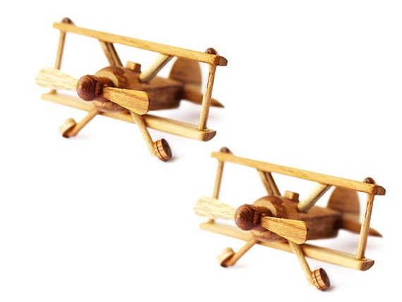 2 small pieces of wooden airplane models in handmade. Black Bedroom Furniture Sets. Home Design Ideas
