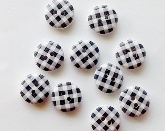 10 x 15mm White and black check wooden buttons