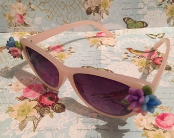 Vintage 1950s Style Pink Flower Sunglasses