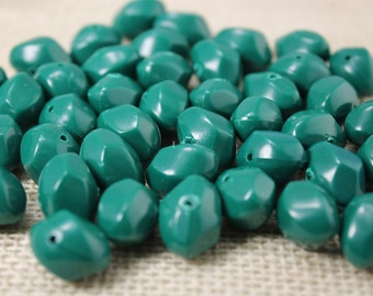 Vintage Bumpy Kelly Green 11mm Beads (20 Pieces)
