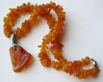 """Vintage Art Deco Baltic Honey Amber Bead 16"""" Necklace 23g sterling clasp"""