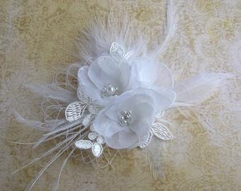 Wedding Hair Accessories, White Hair Flower Clip, Bridal Headpiece, Feather Hair Piece, Pearl Rhinestones Hair Clip, Lace Hair Flower Clip,