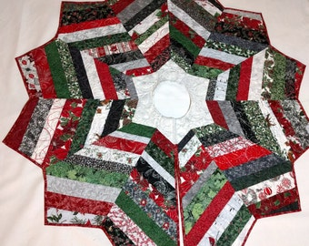 Christmas Tree Skirt String Pieced and Quilted with Red & Silver Metallic Fabrics, Housewarming Gift, Elegant Quilt Decor, Quiltsy Handmade